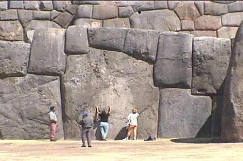 SACSAYHUAMAN (PERU)